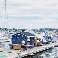 American Summer | #sailing #newengland #marblehead #boatlife #fourthofjuly #throwbackthursday #massachusetts #harbor #marina #sail #sailing #sailboat #boathouse #cloudy #ig_newengland by agapi_travels