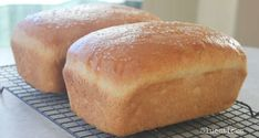 This recipe for homemade Amish white bread yields 2 loaves of perfectly soft white bread. Perfect for sandwiches, toast, or eating fresh from the oven with butter. It has been a family favorite for years! Easy Easter Desserts, Desserts To Make, Amish White Bread, Amish Bread, Cinnamon Swirl Bread, Sandwiches, Dinner Rolls Recipe, Crispy Fried Chicken, Bread Recipes