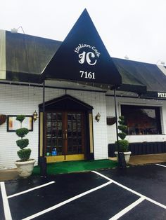 Italian Cafe in Falls Church - hosts the Falls Church Chamber of Commerce luncheon each month! Click for more details