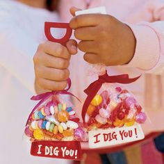 Valentines shovels with candy.