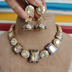 Jewelry Design Earrings, Diamond Jewelry, Diy Jewelry, Antique Jewelry, Jewelery, Indian Jewelry Sets, Gold Jewelry Simple, Fashion Jewelry, Bridal Fashion