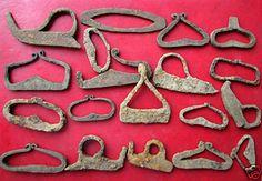 - Roman era Flint Strikers - Gallery - I Forge Iron Flint Striker, Flint And Steel, Primitive Lighting, Clay Pipes, Blacksmith Forge, Roman Jewelry, Roman Era, Blacksmith Projects, Forging Metal