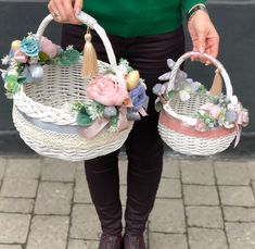 20 Simply Breathtaking Easter Basket Ideas To Use As Gifts or Decor! Indian Wedding Gifts, Baby Shower Gift Basket, Gift Wraping, Easter Tree, Flower Girl Basket, Basket Decoration, Easter Baskets, Easter Crafts, Basket Ideas
