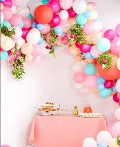 Balloon garlands make the perfect focal point for any party. Here are gorgeous DIY Balloon Garland Ideas that are guaranteed to glam up your next party. Diy Garland, Garland Wedding, Garland Ideas, Garlands, Balloon Arch, Balloon Garland, Balloon Decorations, Balloon Ideas, Graduation Balloons
