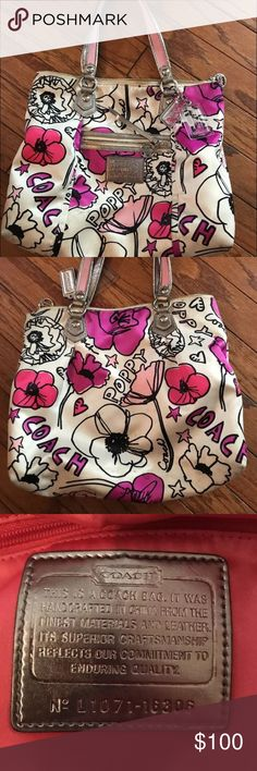 Coach Poppy Petal Rocker Floral print over the shoulder hand bag. Gently used with minimal marks or wear. Coach Bags Shoulder Bags