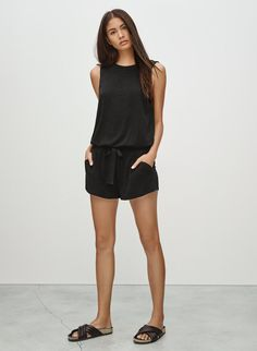 Shop women's clothing from Wilfred Free, one of Aritzia's exclusive brands. Wilfred Free takes inspiration from vintage silhouettes to create a casual uniform. Friday Outfit For Work, Black Romper Shorts, Spring Summer Trends, Summer 2015, Spring 2015, Fashion Musthaves, Summer Outfits, Casual Outfits, Casual Elegance
