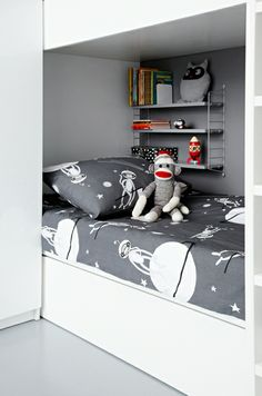 Space-Aappa Monkey Duvet Covers by Sami Vullin, fiinlayson