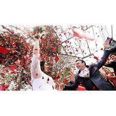 Previsão do tempo: vai ter chuva de amor! ❤ #bomdia #ohhappydayfotografiadefamília #casamento #noivos #ensaio #amor #love #wedding #weddingphotography #fotografiadecasamento #casandoembh #casandocomamor #voucasarembh #noivasdebh #bride #bridal #destinationwedding #weddingparty #bridaldance