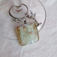 Make Elegant Beaded Wine Glass Charms Charm Jewelry, Wire Jewelry, Jewlery, Wine Bottle Charms, Wine Bottles, Wine Glass Markers, Glass Tile Pendant, Wine Craft, Craft Club