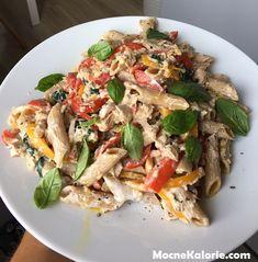 Dietetyczny makaron z tuńczykiem, papryką i szpinakiem - Mocne Kalorie Diet Recipes, Snack Recipes, Healthy Recipes, Helathy Food, Healthy Dishes, Italian Recipes, Food And Drink, Dinner, Cooking
