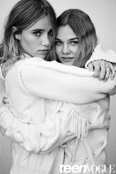 Suki and Immy Waterhouse are the model sister duo we're totally obsessed with.