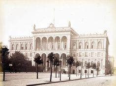 Der Potsdamer Bahnhof in Berlin Potsdamer Platz, World War, Taj Mahal, Louvre, Street View, Black And White, Building, Travel, Viajes