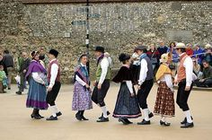 English Folk Dance | English folk dancers in traditional costumes dancing in Cathedral ...