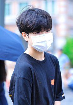 Korean Boys Ulzzang, Ulzzang Korea, Ulzzang Boy, Cute Emo Boys, Cute Korean Boys, Asian Men Hairstyle, Korea Boy, I Like Him, Korean Music