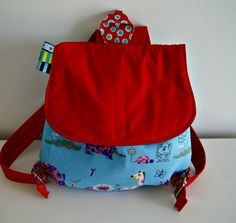 Mochila Retro, Bibs, Diaper Bag, Projects To Try, Backpacks, Etsy, Quilts, Children, Fabric