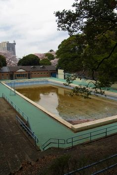 abandoned pool in yokohama