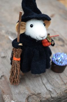 Little Witch Mouse HALLOWEEN SPECIAL Felting by feltingdreams