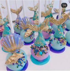 Mermaid Birthday Cakes, Mermaid Cakes, Mermaid Cake Pops, Baby Mermaid, Chocolate Drizzled Popcorn, Chocolate Covered Marshmallows, Diy Unicorn Cake, Rainbow Treats, Dessert Packaging