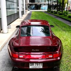 Arena Red + 993 Turbo = Perfection #cult911 #porscheartdaily #renndrive #gtporschethailand #porsche #porsche911 #porscheclassic #porsche993 #993turbo #911turbo #porscheturbo #arenared (at AETAS Hotels & Residences)