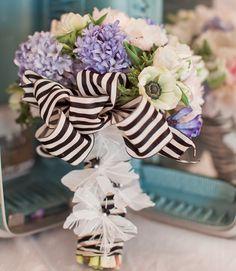 Editors' Pick: 28 Glamorously Gorgeous Bridal Bouquets. To see more wedding ideas: www.modwedding.com