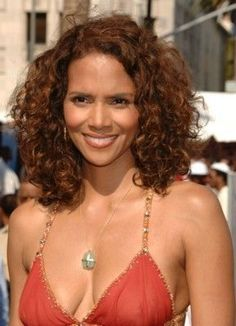 Halle Berry - BET Awards in Los Angeles - -[Click Image for Full Size and Gallery]- Halle Berry Style, Halle Berry Hot, Halle Berry Bikini, Halley Berry, Black Actresses, Actrices Hollywood, African American Women, Beautiful Black Women, Portraits