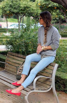 gray sweatshirt, colored skinnies, loafers