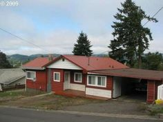 1520 E Taylor Ave, Cottage Grove, OR 97424