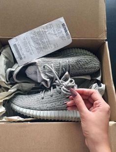 255e38efe2f9 Yeezy Boost to come online shopping