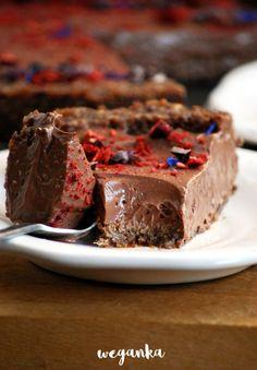 Obłędnie kremowa, czekoladowa tarta z silken tofu Vegan Sweets, Healthy Sweets, Healthy Recipes, Vegan Cheesecake, Vegan Cake, Food Cakes, Gluten Free Desserts, Catering, Cake Recipes