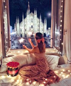 by de Luxo 💎 Fantasy Photography, Girl Photography Poses, Winter Photography, Street Photography, Duomo Milano, Cute Cartoon Pictures, Girl Wallpaper, Photo Instagram, Photo Poses