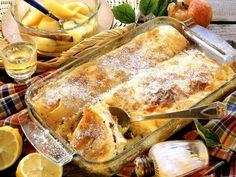 Klassischer Topfenstrudel ist ein Rezept mit frischen Zutaten aus der Kategorie Menü. Probieren Sie dieses und weitere Rezepte von EAT SMARTER! Austrian Recipes, Soul Food, Bakery, Sweet Treats, Food Porn, Food And Drink, Sweets, Cooking, Breakfast