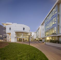 Southwestern Law School: Graduate Residences at 7th Street (Los Angeles, CA), Corsini Stark Architects, LLP