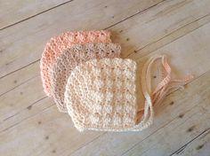 Baby Knitting Patterns Ravelry: Victorian Baby Bonnet pattern by Crochet by Jennife… Crochet Baby Bonnet, Crochet Baby Clothes, Newborn Crochet, Crochet Beanie, Crochet Outfits, Booties Crochet, Crochet Vintage, Love Crochet, Crochet For Kids