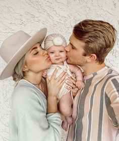 Aspyn And Parker, Aspyn Ovard, Cute Baby Pictures, Family Pictures, Momma Bear, Family Goals, Couple Goals, Baby Fever, Pregnancy