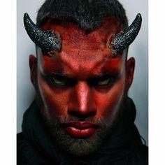 Devil Makeup Halloween, Halloween Men, Halloween Looks, Halloween Costumes, Halloween 2020, Demon Makeup, Male Makeup, Sfx Makeup, Couples Halloween Outfits