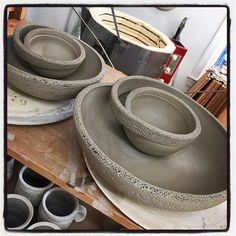 Getting my functional on! Bringing back my small and large from years ago. now with and FLAVOR! Slab Pottery, Pottery Bowls, Ceramic Bowls, Ceramic Pottery, Pottery Ideas, Clay Projects, Clay Crafts, Dip Tray, Chip And Dip Bowl