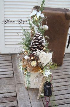 Weihnachtsdeko - :: Beleuchteter Winterzapfen in der Schublade :: - ein Designerstück von BlumereiBerger bei DaWanda