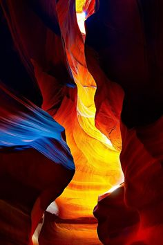 """""""The Glower"""" - Photography: Gregory Boratyn Upper Antelope Canyon, Arizona at the """"Magic Hour"""". The center part of the image became lit up by the Sun through a small crack in the ceiling of the canyon when the Sun moved to its zenith position. Cellphone Wallpaper, Galaxy Wallpaper, Phone Backgrounds, Wallpaper Backgrounds, Landscape Photography, Nature Photography, Wallpapers En Hd, Call Art, Apple Wallpaper"""