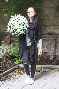 Outfit: black and white, ripped jeans, rebecca minkoff bag, keds sneakers, white flowers, reflective sunglasses, striped shirt, #fashion