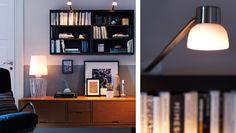 IKEA Österreich, Einfach stilvoll: Wohnzimmer mit BESTÅ Regal/Aufsatzregal in Schwarzbraun, IKEA STOCKHOLM TV-Bank in Goldbraun, vernickelter IKEA STOCKHOLM Schrankbeleuchtung und IKEA STOCKHOLM Tischleuchte mit Klarglas