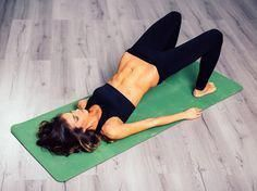 10 Mistakes To Stop Making In Pilates Class Pilates woman with abs – mistakes to avoid – womens health uk - 30 Days Workout Challenge Pilates Training, Pilates Workout, Gym Workouts, Cardio, Training Exercises, Yoga Gym, Yoga Fitness, Joe Wicks The Body Coach, The Body Coach Lean In 15