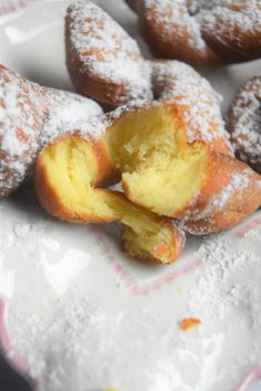 Brioche Bread, Crepes, Baked Goods, Donuts, Smoothies, Biscuits, Pancakes, Food And Drink, Pizza