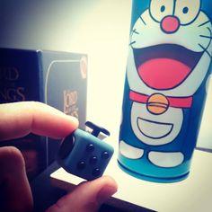 Nuovo gadget-cazzata da #aliexpress  #fidgetcube #antistress in miniatura  #Doraemon approva
