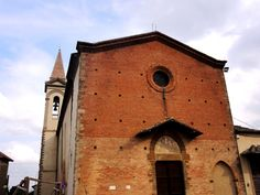 Front of the gothic church - Photo by Bianca Corti