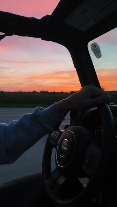 sunset vsco jeep Source by decoralpauline. Sky Aesthetic, Summer Aesthetic, Summer Nights, Summer Vibes, Summer Sunset, Pretty Sky, Summer Goals, Photo Wall Collage, Jeep Life