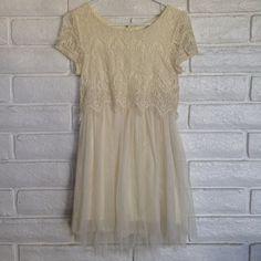 Lace & Tool Dress Beautiful. Can fit medium. Off white. Sans Souci Dresses