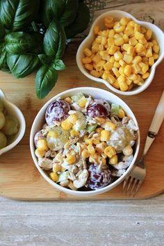 Sałatka z kurczakiem, winogronem i selerem naciowym to znakomita propozycja, która doskonale sprawdzi się podczas domowych imprez w gronie ...