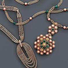 345 отметок «Нравится», 8 комментариев — Fred Leighton (@leightonjewels) в Instagram: «Make a bold statement. Gold and diamond pendant chain necklace and coral and green onyx pendant…»