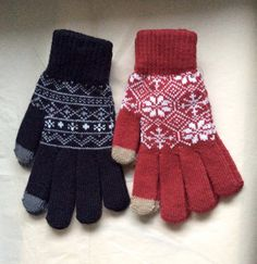 Brand New 2 Pairs Zara Tech Tip Gloves Unisex Fair Isle Ski Fingertip Touch ScreenBrand new with tags.   Includes two separate sets of gloves, as pictured. (Black/Red)  Tech ready finger and thumb on both hands.