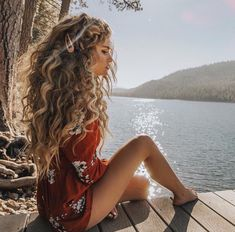 Curly hairstyles 697213586043494657 - Most Gorgeous Natural Long Curly Hairstyles for Lady Girls – Page 40 of 67 – Diaror Diary ⓿➏➊➎-⓿➑ Source by diarordiary Curly Hair Designs, Curly Hair Styles, Natural Hair Styles, Natural Curls, Hairstyles With Bangs, Easy Hairstyles, Girl Hairstyles, Curly Hairstyles For Long Hair, Gorgeous Hairstyles